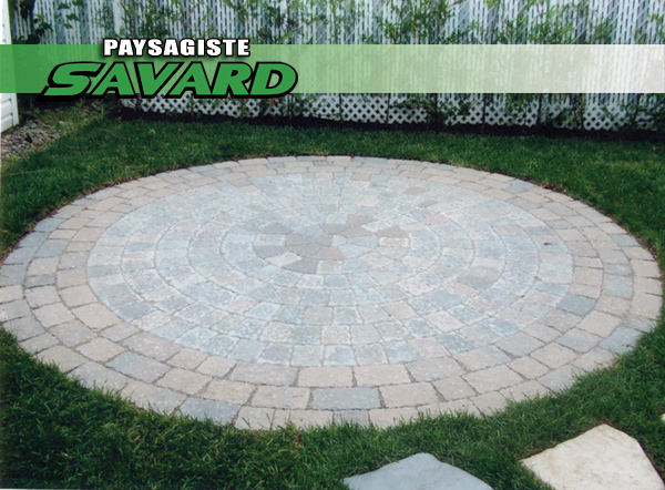 Patio pavé en rond
